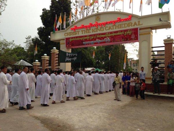 Chiesa di Loikaw-04