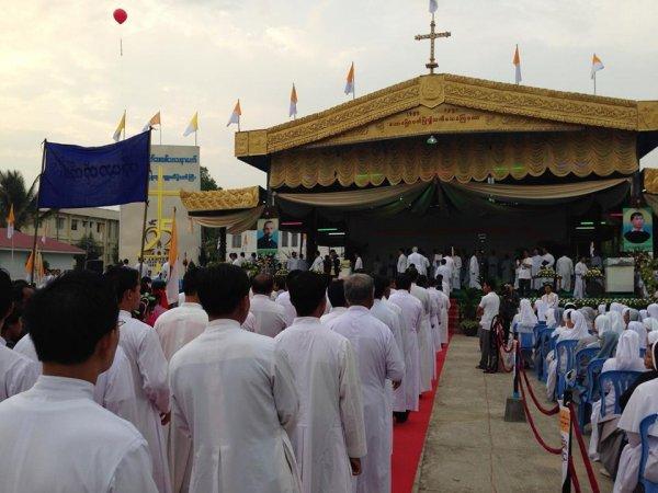 Chiesa di Loikaw-10