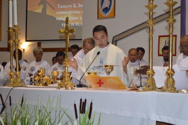 La prima messa di don Giuseppe Enkh-Baatar-1