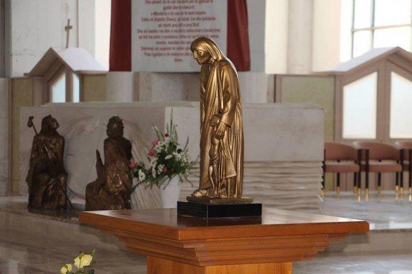 Cattedrale di Madre Teresa a Pristina-1