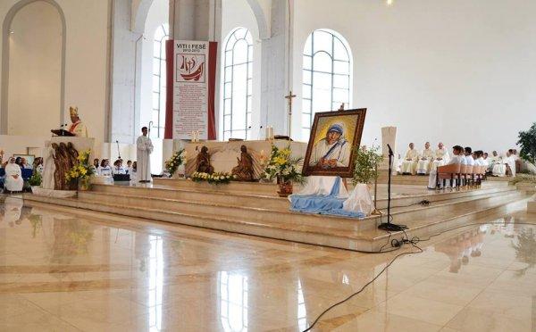 Cattedrale di Madre Teresa a Pristina-10