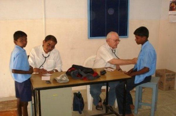 La missione di p. Antonio Grugni tra i malati di tubercolosi e lebbra in India-9