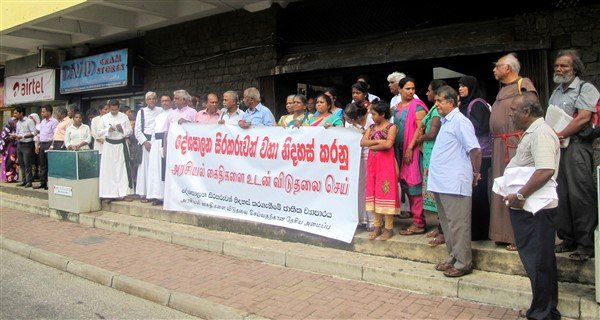 SRI LANKA Petition calling for the release of political