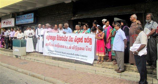 Raccolta firme per il rilascio dei prigionieri politici in Sri Lanka-1