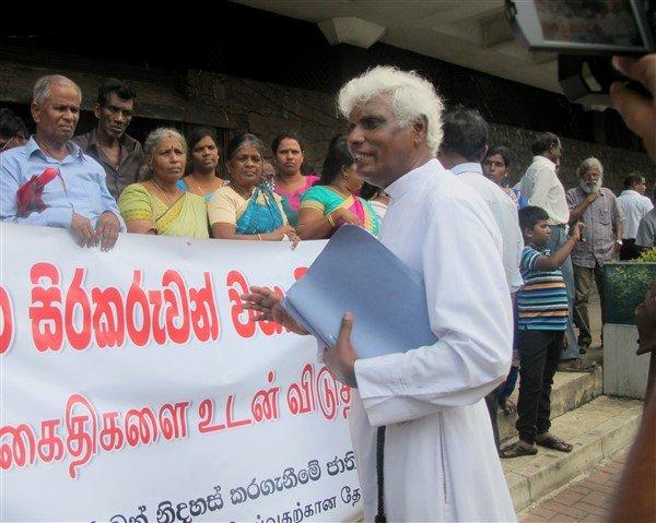Raccolta firme per il rilascio dei prigionieri politici in Sri Lanka-2