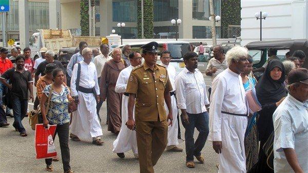 Raccolta firme per il rilascio dei prigionieri politici in Sri Lanka-3