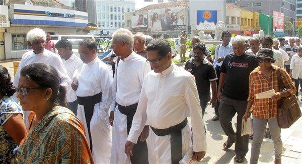 Raccolta firme per il rilascio dei prigionieri politici in Sri Lanka-6
