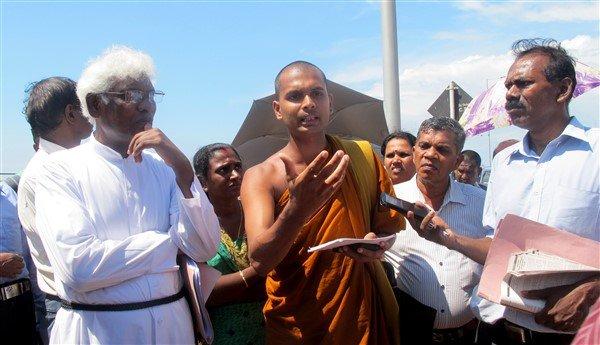 Raccolta firme per il rilascio dei prigionieri politici in Sri Lanka-7