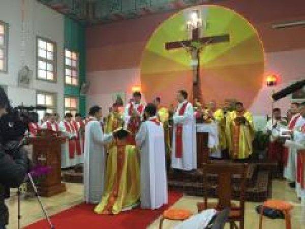Mons. G.B. Wang Xiaoxun ordinato vescovo coadiutore di Ankang-2