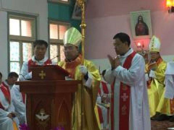 Mons. G.B. Wang Xiaoxun ordinato vescovo coadiutore di Ankang-4