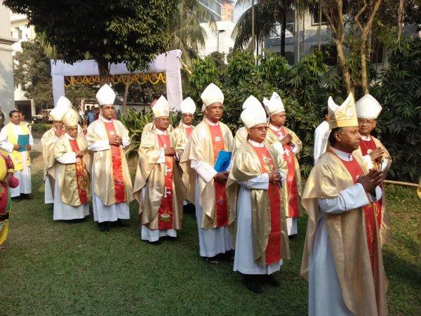 Cattolici in Bangladesh festeggiano il loro primo cardinale-2