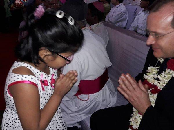 Cattolici in Bangladesh festeggiano il loro primo cardinale-8