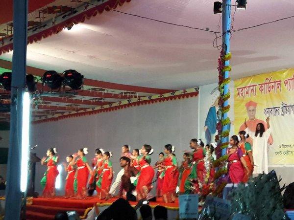 Cattolici in Bangladesh festeggiano il loro primo cardinale-9