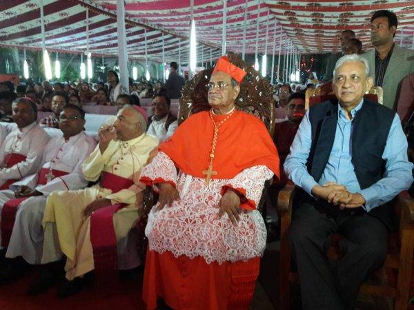 Cattolici in Bangladesh festeggiano il loro primo cardinale-10