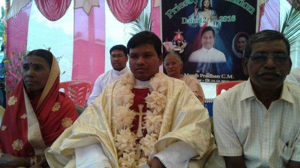 L'Orissa ha un nuovo sacerdote-2