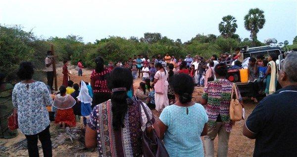 Via crucis in Sri Lanka-6
