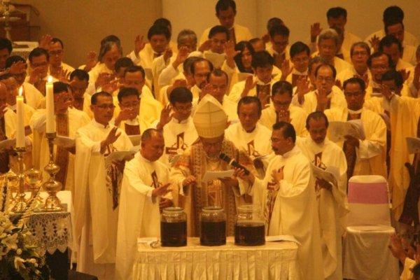 Messa del Crisma in Indonesia-1