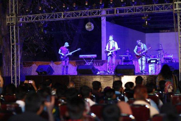 Rock-band di Lahore combatte il terrorismo con la musica-1