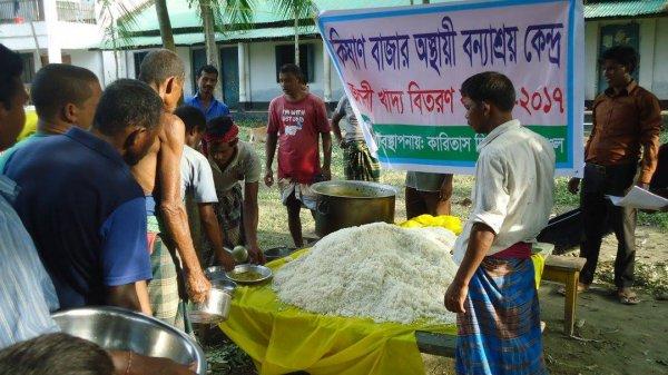 La Caritas distribuisce aiuti agli alluvionati del Bangladesh-5