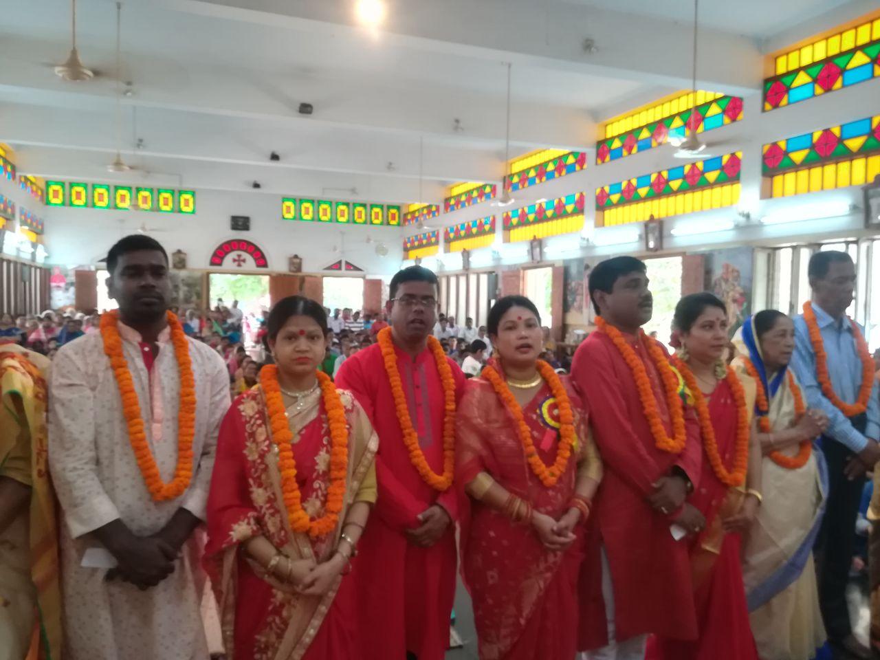15 coppie festeggiano anniversario di matrimonio
