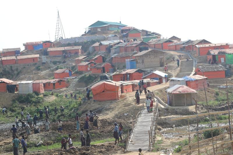 Bambini Rohingya nei campi profughi del Bangladesh