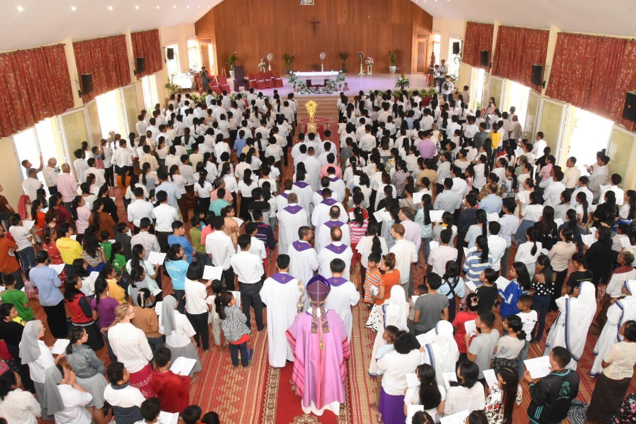 Phnom Penh, cattolici in festa: a Pasqua 154 battesimi adulti