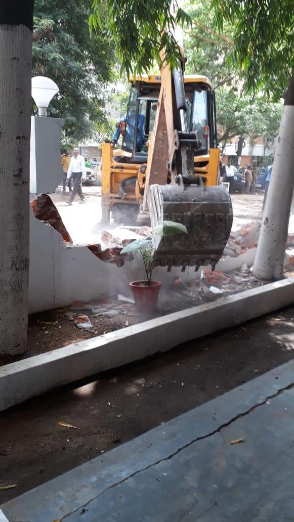 Chiesa demolita a Chennai per allargare una strada