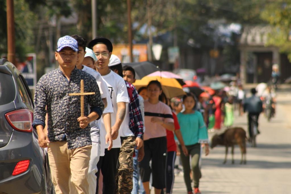 Diocesi di Miao: giovani in pellegrinaggio per la Settimana Santa
