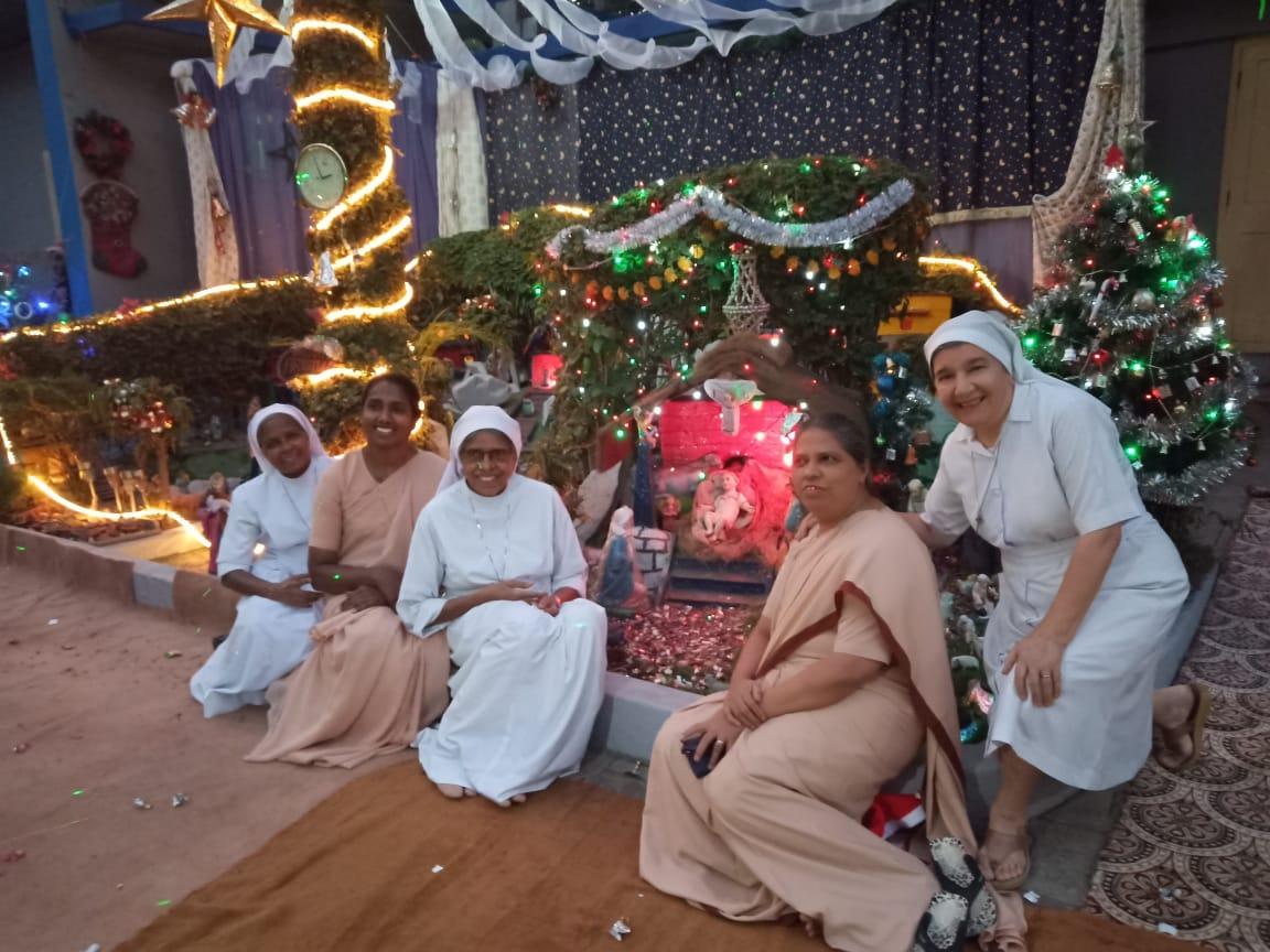 Natale al Vimala Dermatological Centre di Versova (Mumbai)