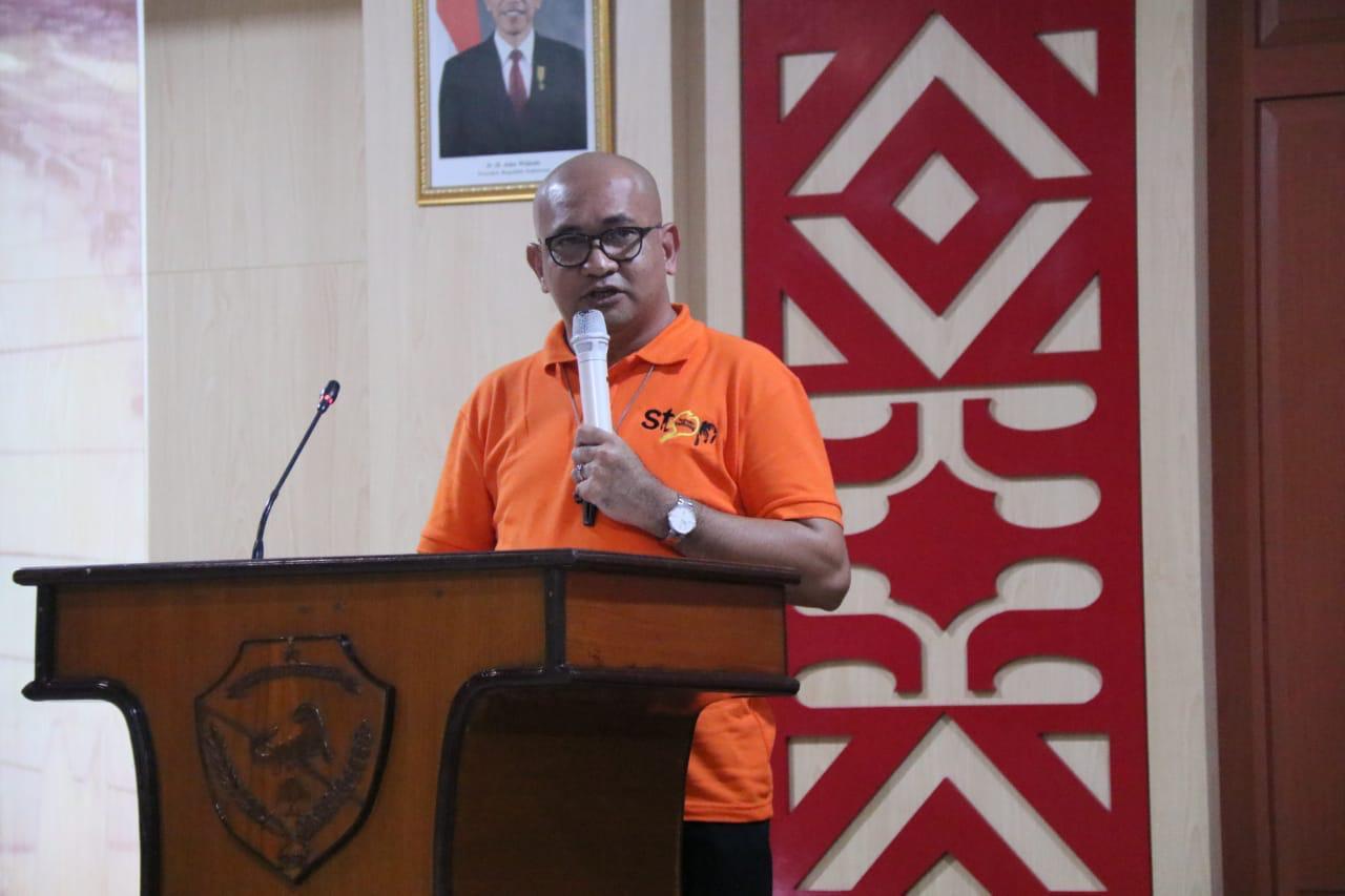 La missione di p. Saturnus: combattere il traffico di esseri umani a Batam