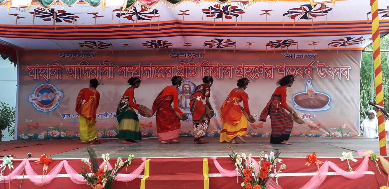 Rajshahi, festa tra i tribali Mahali per i 100 anni della prima comunità cattolica