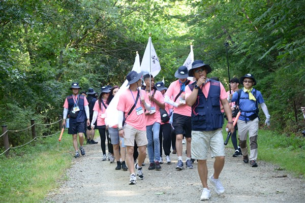 Seoul, young people at the pilgrimage of peace