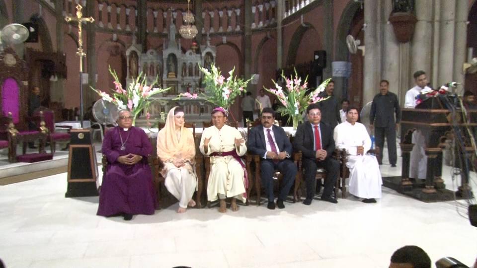 Lahore, la figlia di Sharif tiene un comizio elettorale nella cattedrale