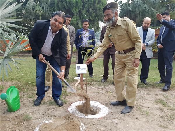 Caritas Pakistan pianta 700mila alberi