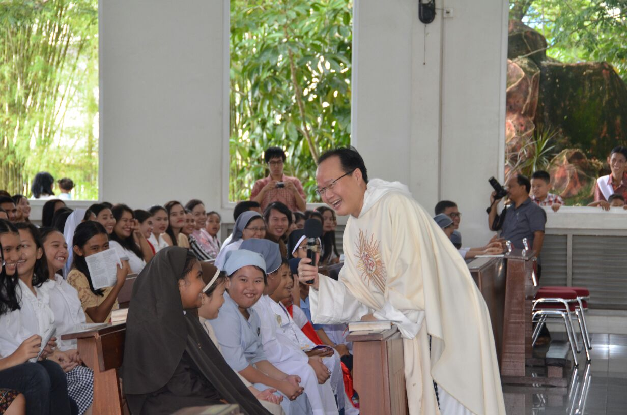 Parrocchia della Sacra Famiglia a Kota Baru, Pontianak (West Kalimantan) 02