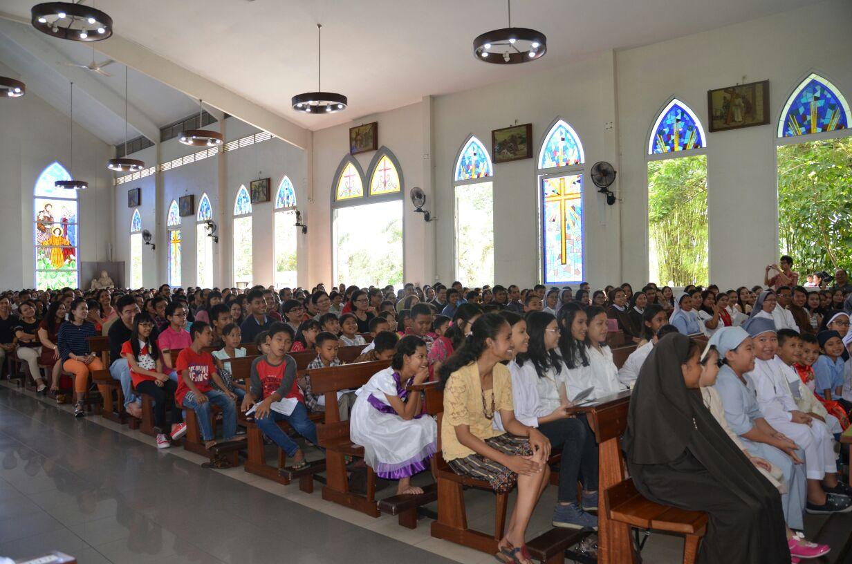 Parrocchia della Sacra Famiglia a Kota Baru, Pontianak (West Kalimantan) 13