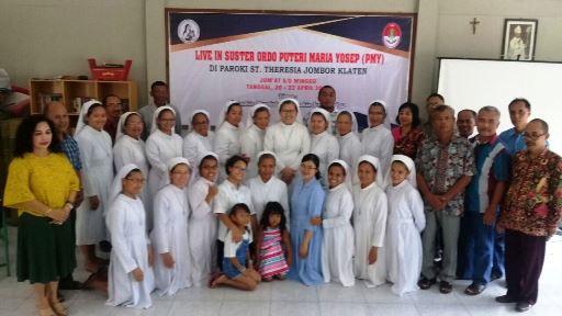 Parrocchia di St. Theresia Jombor di Klaten, Central Java 03