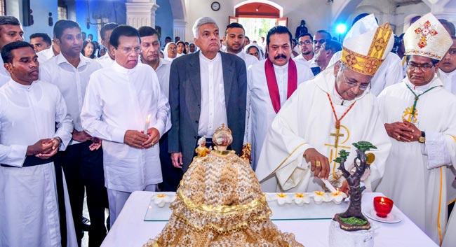 Sri Lanka, il card. Ranjith costretto a celebrare la messa della domenica in diretta TV