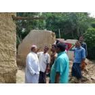 La Caritas distribuisce aiuti agli alluvionati del Bangladesh-1