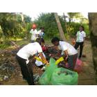 Ragazze cattoliche ripuliscono le spiagge dello Sri Lanka-7