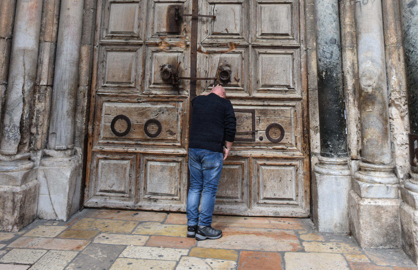 Jerusalem (AsiaNews) u2013 Forty-eight hours after closing of the doors of the Basilica of the Holy Sepulchre at 12.30 pm Sunday the 13 Churches of the Holy ... & ISRAEL Holy Sepulchre closed as Christian leaders and community are ...