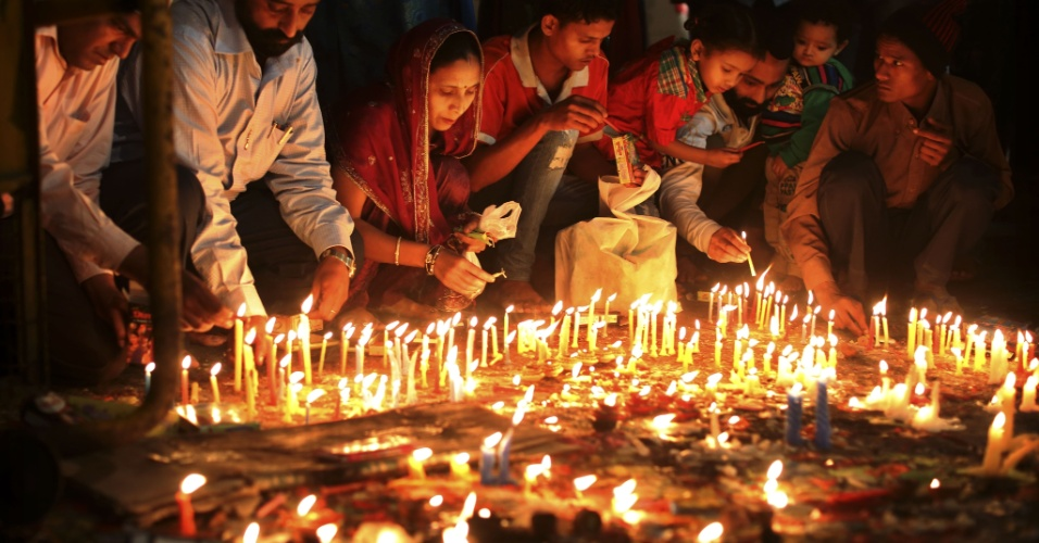 Why Deepawali is called a Festival of Lights?