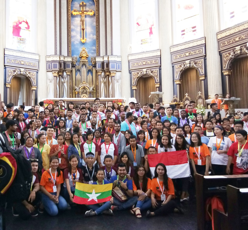India Indians At Asian Youth Day Bearing Witness To Diversity In Unity