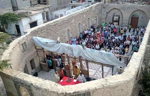 Parroco di Aleppo: Un razzo ha colpito il vescovado siro-cattolico. Timori per la tregua