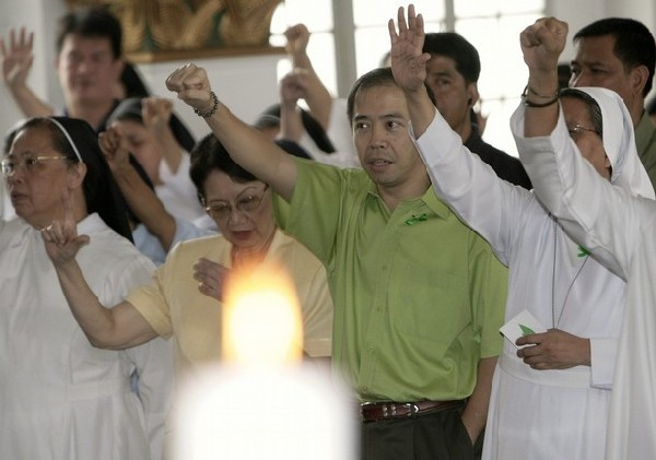 PHILIPPINES Catholic Church comes out against corruption