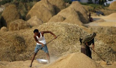 Dhaka, price of rice doubles: millions of poor struggle to survive