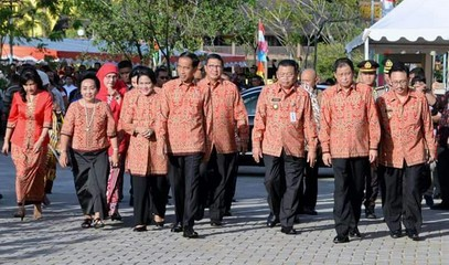 INDONESIA_-_0102_-_Widodo_-_Indonesian_President_addressing_audience_during_the_National_Christmas_Celebration_in_Pontianak_of_West_Kalimantan_Province.jpg