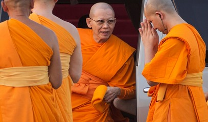 """Bangkok wants a new """"clean"""" abbot for the Phra Dhammakaya temple"""