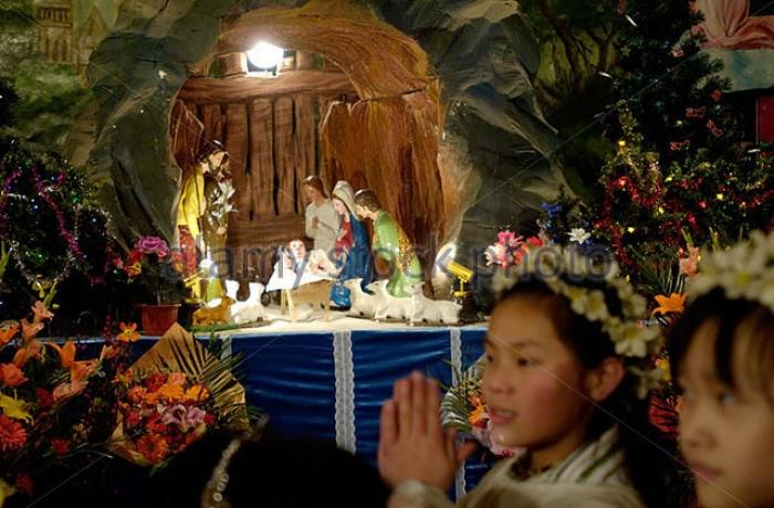 beijing asianews giving an apple for christmas has become popular among beijings christians so much so that parishes give one to everyone who comes to