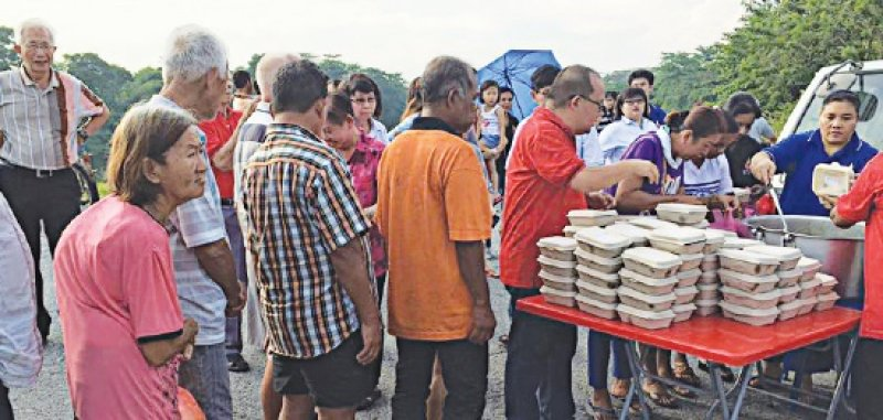 Kampar (AsiaNews/Agencies) U2013 Starting 16 January, Scores Of People In  Kampar, 170 Km North Of Kuala Lumpur, Gather Every Saturday To Cook A Meal  For The ...